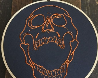 Screaming Skull Art, Halloween Skull, Halloween Decor, Halloween Decoration, Gothic Decor, Anatomical Skull, Embroidery Hoop Art