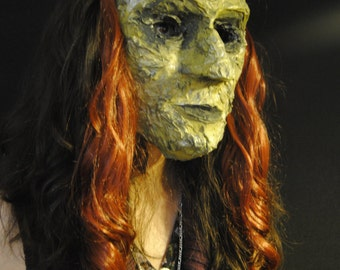 Mask paper mache / witch green / red hair / Lady old