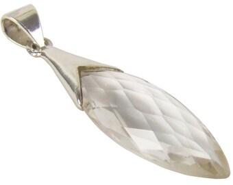 Kettenanhänger Bergkristall 8.6 Karat Tropfen eingefasst in 925 Sterling Silber