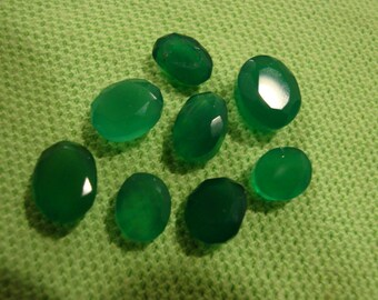 Green Onyx Parcel Set of 8 Large Stones Total Gem Weight 24.25 Carats-INTENSE SATURATION-All Oval Shaped Stones