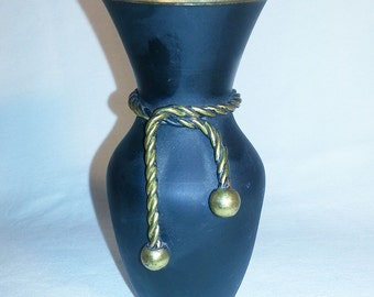 Vintage brass vase, vase, small vase, brass, brass decor, home decor, vintage, solid brass vase , India brass vase , desk accessory, black