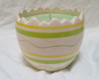 Green Flower Pot Candle / 100% SOY / lime coconut and freshmint scented / lightly scented / small