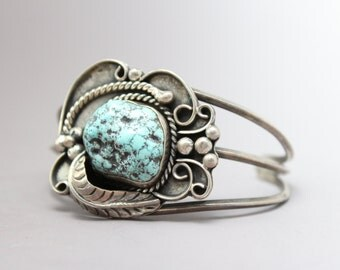 Sterling Silver Native American Old Pawn Turquoise Cuff Bracelet with Leaf and Rope Accents