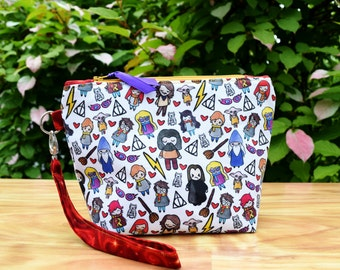 Inspired Harry Potter Doodle Wristlet Clutch Zipper Purse~Dumbledore, Hagrid,Snape, Weasley, Hermione Granger, Ginny, Luna, Darby