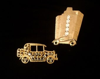 Vintage Set of 2 Car Themed Brooches    VG2321