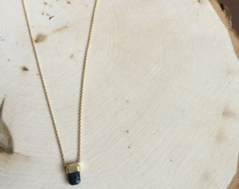 Black oval stone and gold Pendant Necklace, Small Pendant necklace