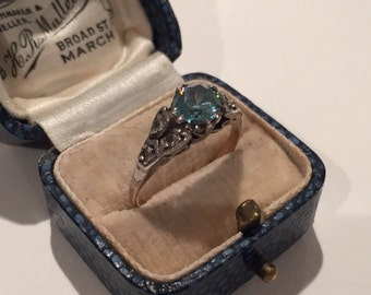 Vintage Gold ring with beautiful silver setting