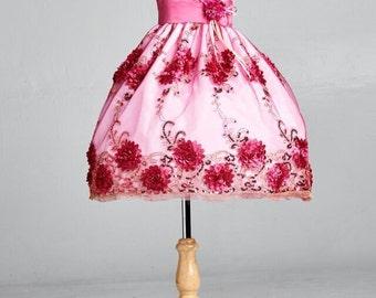 Flower girl dress fuchsia pink 3 D floral embroidery. Junior Bridesmaid Dress. Flower girl dress. Girls formal dress. Girls holiday dress