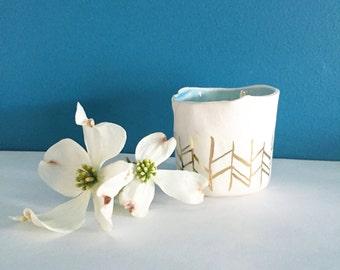 Ceramic & 22kt gold planter, size small ceramic succulent planter, apartment decor, gold decor, minimalist decor