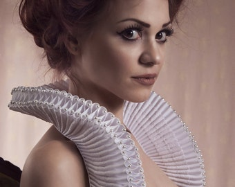 White elizabethan ruffle collar decorated with white preciosa beads-Elizanethan-ruff collar-ruffle collar-renaissance collar