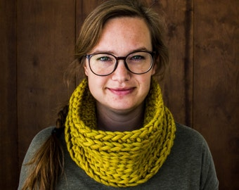 Tube Scarf for Women - Knitted Cowl - Christmas in July - Knit Infinity Scarf - Winter Cowl Neck - Chunky Infinity Scarves - Eternity Scarf