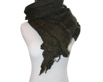 Merino Wool Scarf in Moss Green / Men's Scarf / Women's Scarf / Wool Scarf / Winter Scarf / Spring Scarf / Green Scarf / Men's Green Scarf