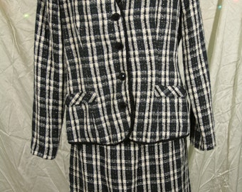 2 Piece Separate Suit with Skirt and Coat Size 6 by Collaborations Black and White Plaid