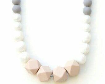silicone teething necklace for mom, chunky beads, moms nursing necklace, teething jewelry, silicone teething jewelry necklace,