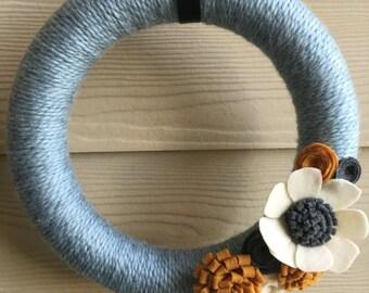 Spring yarn wreath - light blue