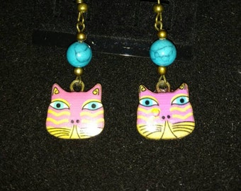 Howlite Bead Cat Dangle Earrings