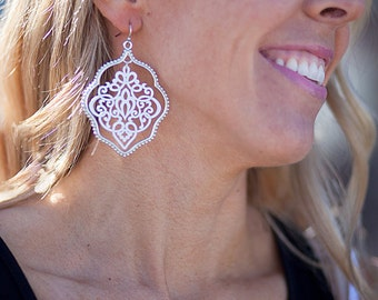 Painted Lace Earrings - White/Silver