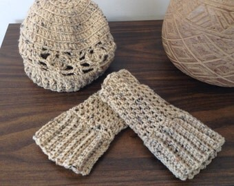 Crcoheted ladies hat and fingerless glove set