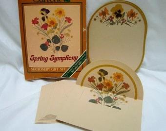 Vintage Stationary Set Letter Writing Set Kit in Box Letter Set Flower Floral Design Unused Ovl Writing Paper & 4x6 Envelopes by Current 80s