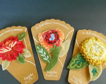 3 Vintage Felt Brooches, Flower Pins, Felt Flower Art, Made in India, Cupckaes and Cartwheels, Elmsford NY, Felted Craft Work