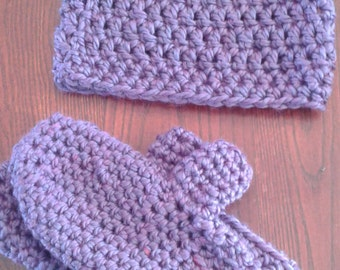 Tuque and mittens crochet set