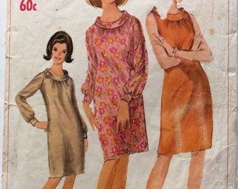 1960s vintage sewing pattern Simplicity 6533 Bust 34 Waist 26 retro 60s slim fit dress raglan sleeve or sleeveless roll collar Mad Men style