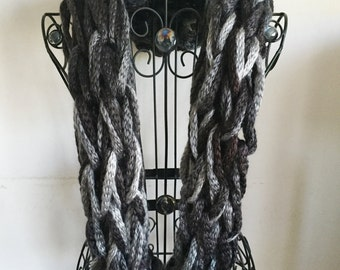 Black & Gray Chain Infinity Scarf