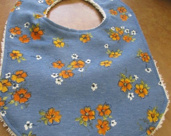 very comfortable to stay clean at all times floral bib