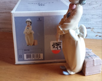 Lladro Clown 6258 Pierrot in Love. Mint in Box.