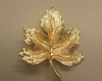 Costume Jewelry Maple Leaf Brooch