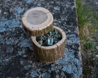 Wooden ring box with moss ring pillow Rustic ring box Woodland wedding decoration Engagement ring box Natural wood keepsake box
