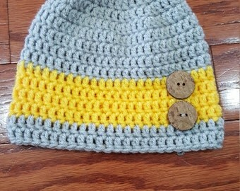 Crochet hat with buttons