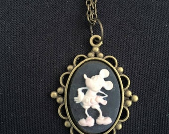 mouse about the house necklace