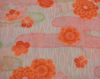 121: Vintage kimono/jyuban/light woolen fabric/japan/handamede/white/pink/green/chrysanthemum/ume/fluorescent colors/colorfull/material