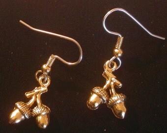 Acorn Earrings 24 Karat Gold Plate Fall Autumn Acorns Holidays Thanksgiving Halloween EG216B
