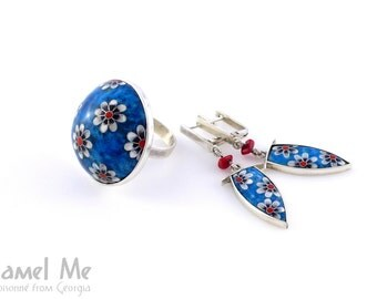 Daisy Wheels on Blue. Ring and earrings set. Cloisonné enamel. Sterling silver.