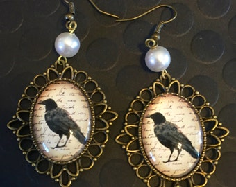 Black Raven Victorian Earrings / Black Bird Earrings / Gothic Black Crow Earrings / Antique Gold Raven Earrings