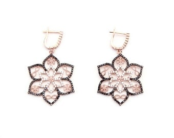 Flower Drop Earring. 92S Sterling Silver with 14K Rose Gold Plated.