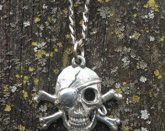Skull and Crossbones Pendant Necklace