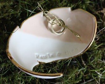 Wedding wedding ring holder / ring plate / wedding - wedding ring dish made of porcelain with gold by Potöpot individualisiertbar