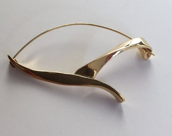 Vintage Gold Brooch - Ribbon-like simple design 1960s Style