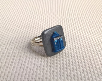 Doctor Who inspired - TARDIS ring.