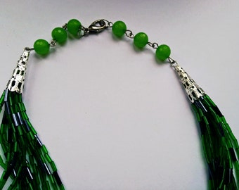 Necklaces of glass beads GREEN