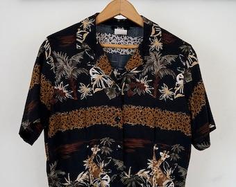 super rad vintage ladies safari print button-up blouse