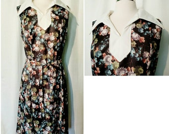 1970s Floral Print Collared Dress With Belt