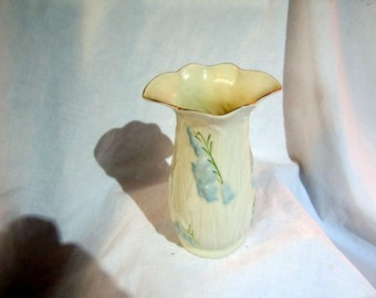 Vintage Belleek Vase - 7th Mark