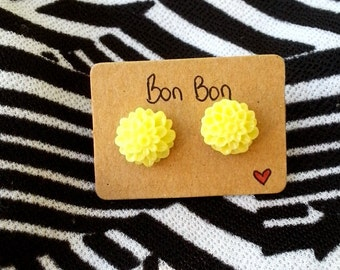 Yellow flower stud earring