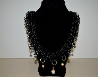Chainmail Pearl Necklace