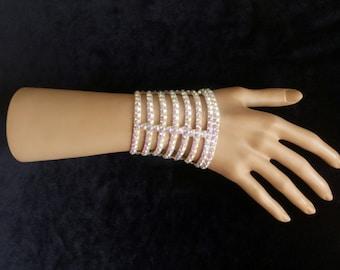 Bracelet with snap button closure. SWAROVSKI Crystal AB