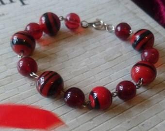 Red tiger stripe bead bracelet